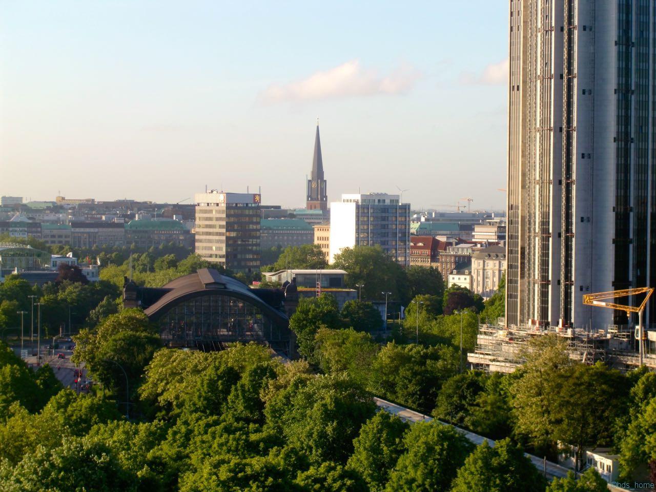 Vom Dach der SUB Hamburg, Nikon D7000, iPhoto, Sättigung geändert