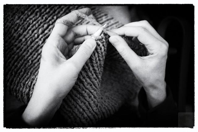 Graues Monster aus Textilgarn. Foto wurde mit Slver Efex Pro, aus der Nik Collection, bearbeitet.